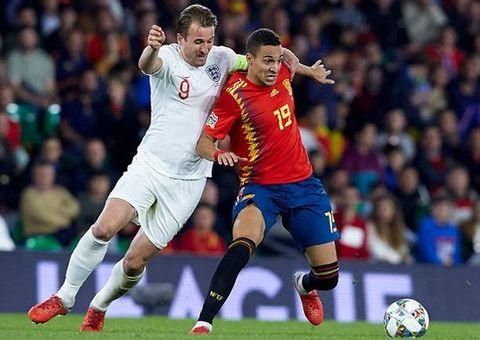 """Tin tức - Đánh bại Tây Ban Nha, """"Tam sư"""" vươn lên vị trí đầu bảng"""