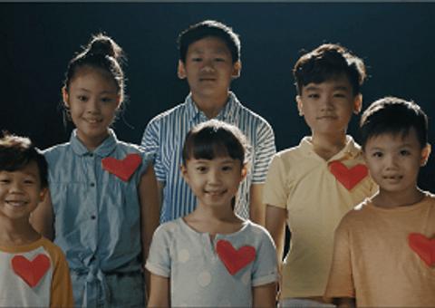 """Nhịp cầu Hồng Đức - 2,5 tỉ đồng được quyên góp để hỗ trợ mổ tim cho 62 ca mổ tim thông qua MV """"Viết tiếp ước mơ"""""""