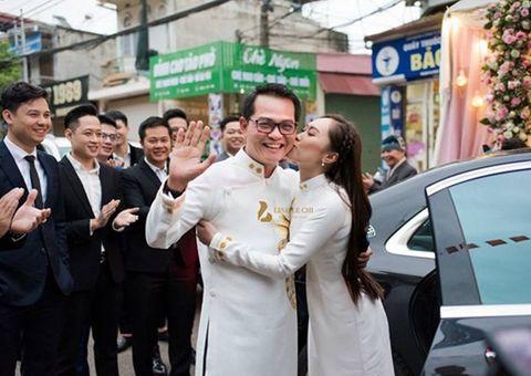 """NSND Trung Hiếu """"cười tít mắt"""" cạnh cô dâu kém 19 tuổi trong đám cưới"""