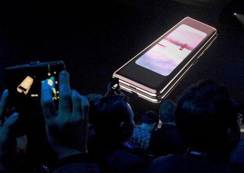 Samsung tiếp tục hủy bán Galaxy Fold tại Mỹ vì sự cố hỏng màn hình