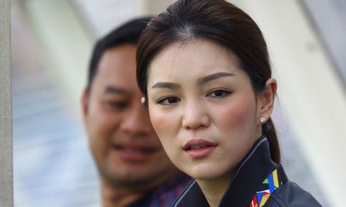 """Sếp nữ xinh đẹp Thái Lan dọa cho Việt Nam """"nếm mùi đau khổ"""""""