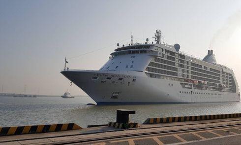 Ngắm tàu du lịch 6 sao thăm Việt Nam ngày cuối năm