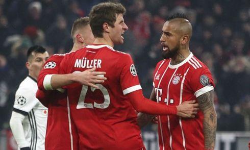 Clip Bayern Munich 5-0 Besiktas: Lợi thế hơn người, Hùm xám thắng dễ