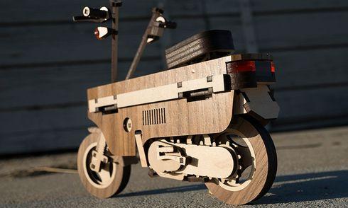 Xe máy siêu độc làm từ gỗ giá chỉ 159 nghìn đồng có gì đặc biệt?