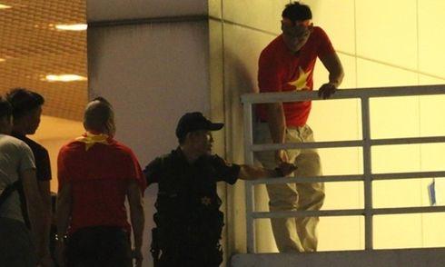 Chính thức sa thải nhân viên an ninh cho người không vé vào sân Mỹ Đình