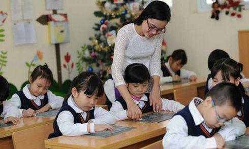 """Cấp chứng chỉ hành nghề cho nhà giáo: Không giảm được tiêu cực, thêm áp lực kiểu """"mua dây buộc mình"""