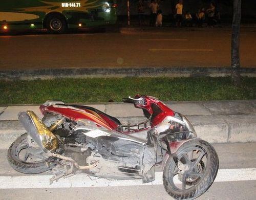 Tài xế ô tô tông chết người nước ngoài ra trình diện - Ảnh 1