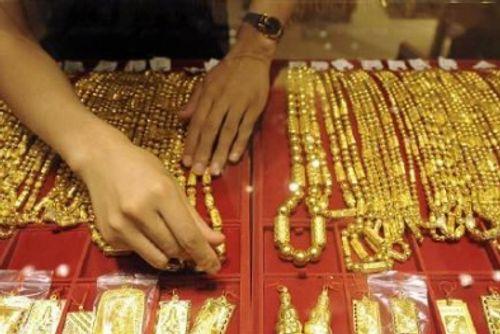 Điều tra làm rõ các tiệm kinh doanh vàng, bạc dởm của Trung Quốc - Ảnh 1