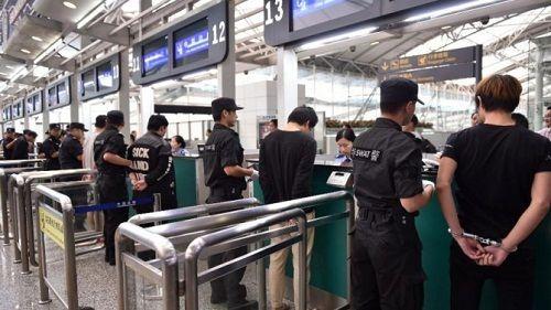 Trung Quốc bắt giữ 900 tin tặc trong hơn 400 vụ tấn công mạng - Ảnh 1