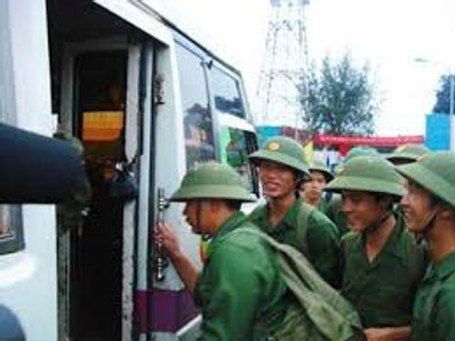 Trốn nghĩa vụ quân sự, hai thanh niên bị khởi tố - Ảnh 1