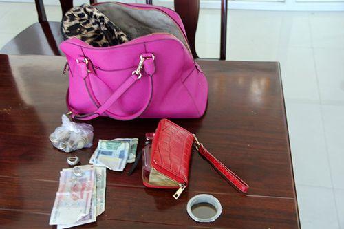 Bắt nghi can cướp túi xách tiền tỷ của du khách Nga - Ảnh 1