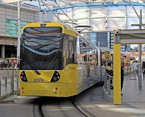 Phát hiện 277 bộ hài cốt dưới đường xe điện ở thành phố Manchester - Ảnh 1
