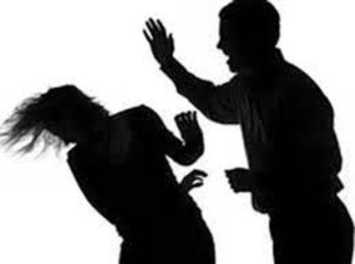 Chồng sát hại vợ vì gửi đơn ra tòa đòi ly dị - Ảnh 1