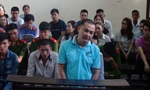 Bắc Ninh: Người đàn ông đánh mẹ, ném vợ xuống cầu thang - Ảnh 1