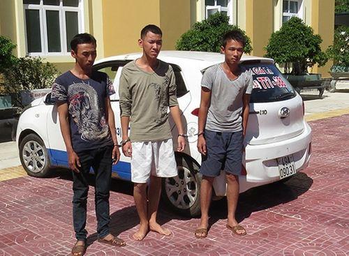 Truy nã đối tượng bỏ trốn vụ cướp taxi trốn vào rừng ở Lâm Đồng - Ảnh 2