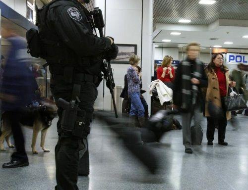 Mỹ tăng cường an ninh dịp nghỉ lễ trước đe dọa khủng bố  - Ảnh 2