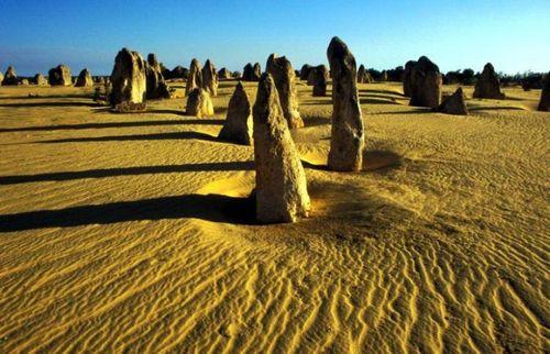 Đẹp mê hồn những vùng sa mạc nổi tiếng thế giới - Ảnh 13