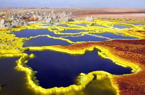 Đẹp mê hồn những vùng sa mạc nổi tiếng thế giới - Ảnh 8