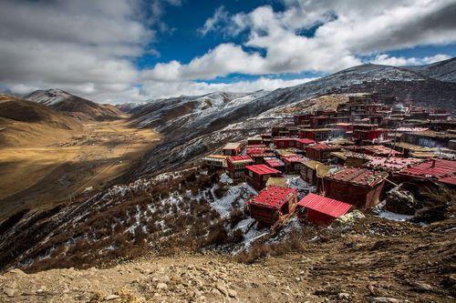 Cận cảnh Học viện Phật giáo lớn nhất thế giới - Ảnh 4