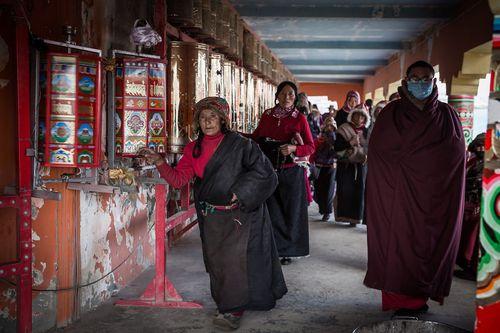 Cận cảnh Học viện Phật giáo lớn nhất thế giới - Ảnh 7