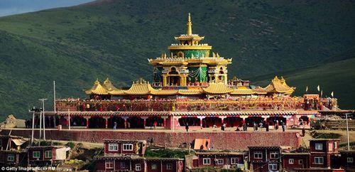 Cận cảnh Học viện Phật giáo lớn nhất thế giới - Ảnh 3