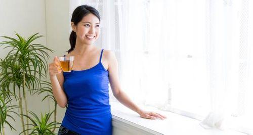 """Phụ nữ có nên uống trà xanh trong ngày """"đèn đỏ""""? - Ảnh 1"""