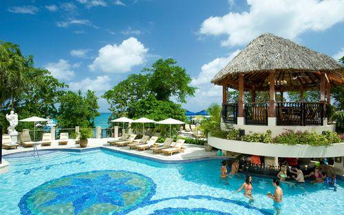 Khách sạn tuyệt đẹp với 105 hồ bơi - Ảnh 2