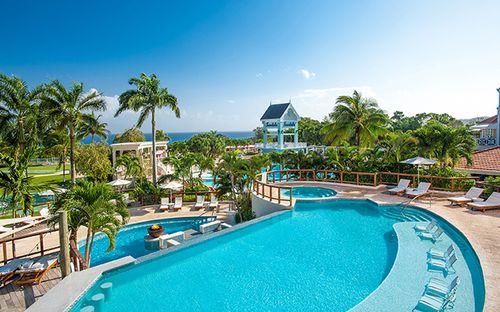 Khách sạn tuyệt đẹp với 105 hồ bơi - Ảnh 4