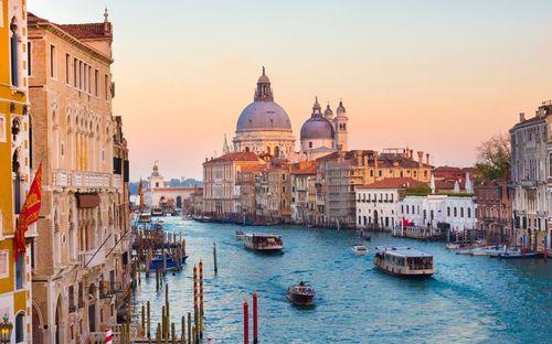 Những địa điểm du lịch lãng mạn nhất thế giới - Ảnh 1