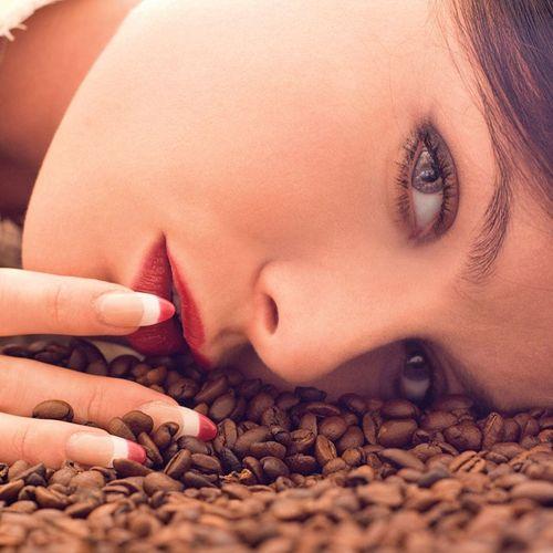 4 tác dụng làm đẹp da tuyệt vời của bã cà phê - Ảnh 1