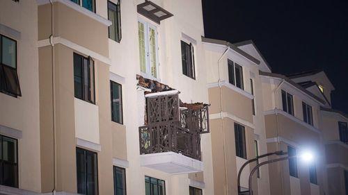 Nhà sập ban công, 6 người thiệt mạng, 7 người bị thương - Ảnh 1
