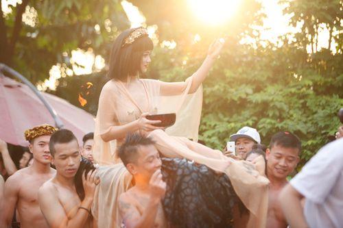 Ngắm phái đẹp Hà thành tưng bừng dự tiệc dưới nước - Ảnh 10