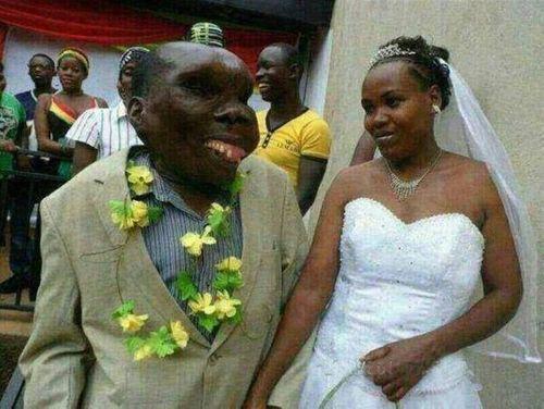Chuyện người đàn ông xấu nhất Uganda làm cha lần thứ 8 - Ảnh 2