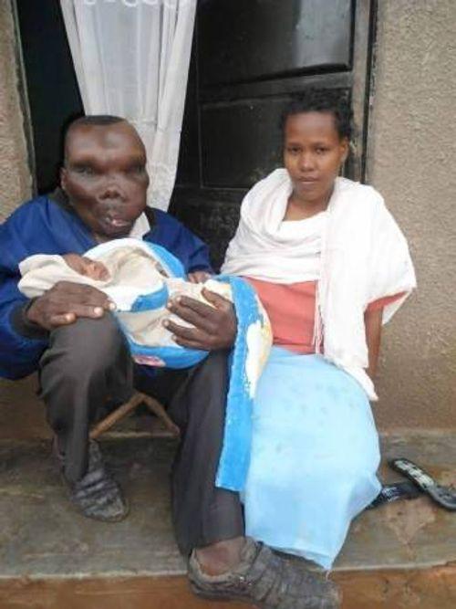 Chuyện người đàn ông xấu nhất Uganda làm cha lần thứ 8 - Ảnh 1