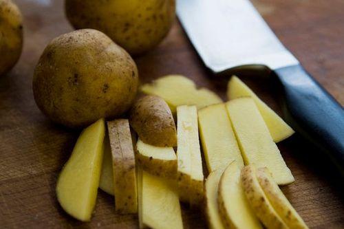 Tuyệt đối không nên bảo quản khoai tây trong tủ lạnh - Ảnh 2