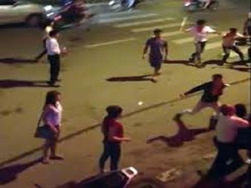 """Thanh niên mất mạng sau cuộc """"hỗn chiến"""" với nhóm đi xế hộp - Ảnh 1"""