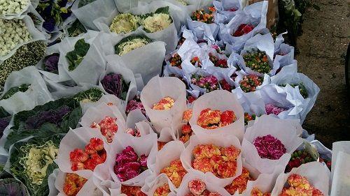 Chợ hoa Quảng Bá nhộn nhịp trước ngày 8/3 - Ảnh 7