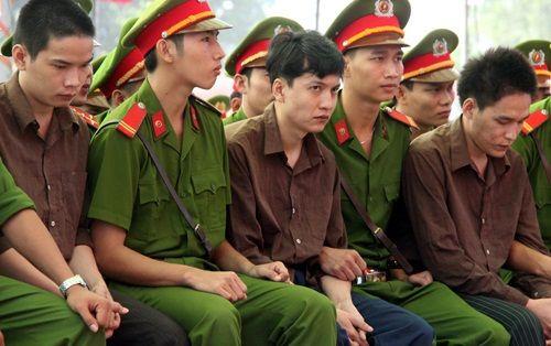 Tiếp tục xử lưu động vụ giết 6 người ở Bình Phước - Ảnh 1