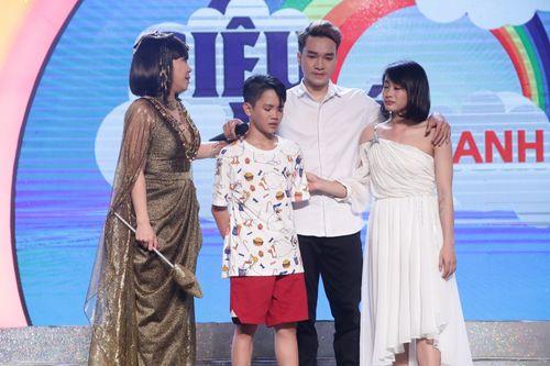 Danh hài Việt Hương nhận nuôi 3 đứa bé không mẹ đến năm 18 tuổi - Ảnh 2