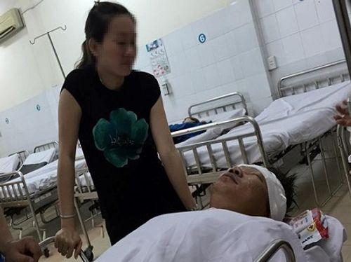 Truy tìm thanh niên cầm dao chém người tại bệnh viện - Ảnh 1