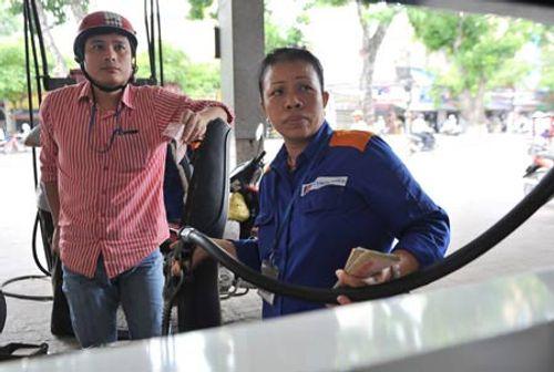 Giá xăng dầu bao giờ mới ổn định? - Ảnh 1