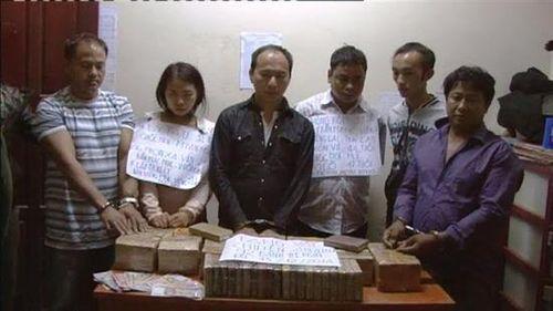 Clip: Bắt giữ vụ vận chuyển 92 bánh heroin từ Lào về Việt Nam - Ảnh 1
