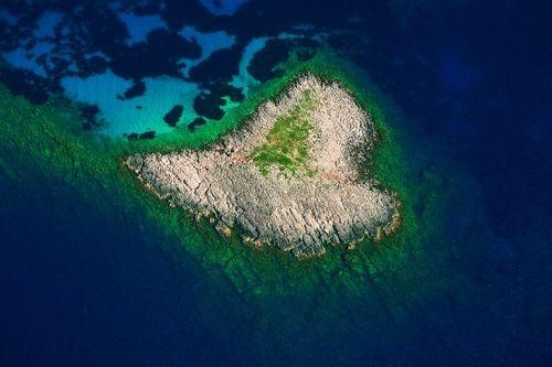 Vẻ đẹp lãng mạn của những hòn đảo hình trái tim - Ảnh 13