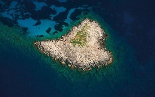 Vẻ đẹp lãng mạn của những hòn đảo hình trái tim - Ảnh 14