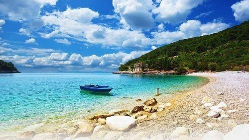 Vẻ đẹp lãng mạn của những hòn đảo hình trái tim - Ảnh 5