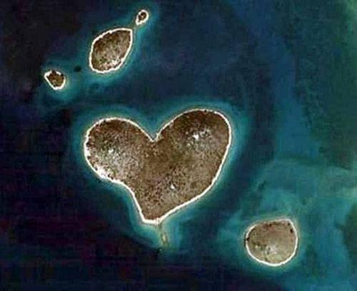 Vẻ đẹp lãng mạn của những hòn đảo hình trái tim - Ảnh 3