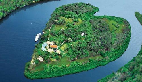 Vẻ đẹp lãng mạn của những hòn đảo hình trái tim - Ảnh 1