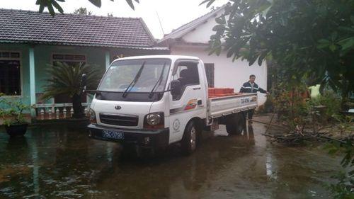 Huế: Dùng xe công để chở gạch cho... chủ tịch - Ảnh 2