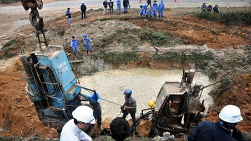 """Vỡ ống nước sạch sông Đà: Làm """"người rừng"""" giữa Thủ đô - Ảnh 2"""