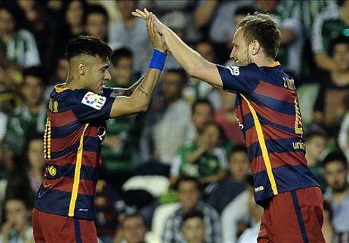 Real Betis 0-2 Barca: Đòi lại ngôi đầu - Ảnh 1